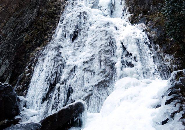 扁妙の滝が氷瀑